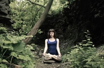 Erin_Meditating_in_the_Woods_rectangle-284031-edited.jpg