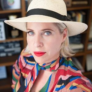 Tiffany Shlain headshot small square new