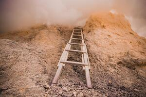 ladder-to-the-clouds_925x