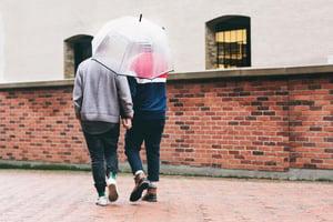 male-couple-walking_925x