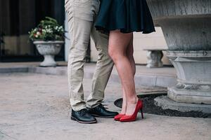 romantic-couples-feet-1