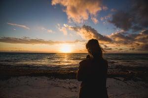 woman-watching-beach-sunrise_925x (1)